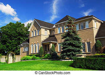 Residential home - Large upscale residential home with...