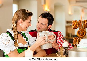 restaurang, par, bayersk, ung, pub, traditionell, tracht, eller