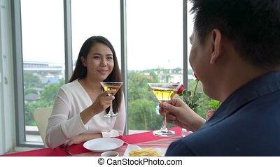 restaurant, déjeuner, couple, manger, heureux, romantique