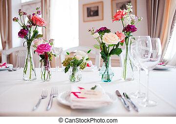 restaurant., informal, banquete, decoração, pequeno, casório, floral, style., vermelho
