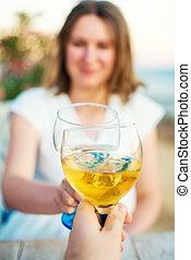 restaurant., vin, boire, couple, jeune