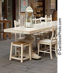 restaurante al aire libre, tabla