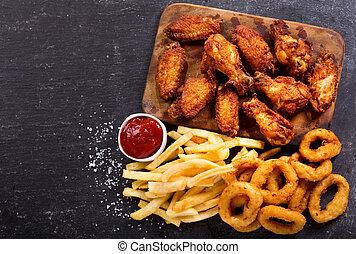 restauration rapide, repas, :, anneaux oignon, frites, et, poulet frit