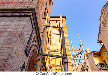 Restoration on facade of the Synagogue