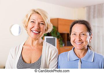 retraités, portrait, intérieur, femme