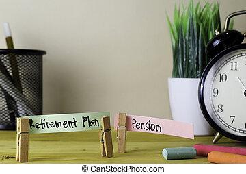 retraite, bureau, bois, notes, collant, pension., plan, bureau, écriture, pinces linge