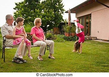 retraite, petit-enfant, heureux