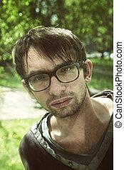 retrato, ao ar livre, homem jovem