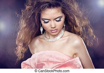 retrato, beleza, mulher, lights., cabelo, maquilagem, partido, glamour, longo, cacheados, moda, sobre, excitado