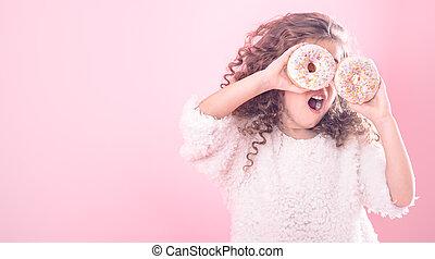 retrato, boca, menina, abertos, donuts