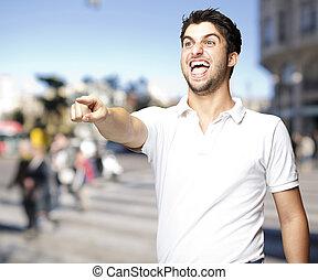 retrato, calle, joven, humorístico, hombre