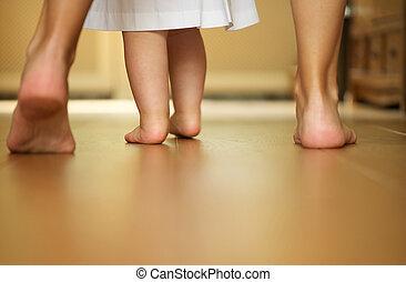 retrato, caminata, dentro, madre, bebé, enseñanza