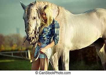 retrato, cavalo, blondie, beleza