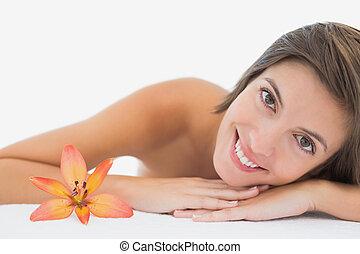retrato, cima, tabela, jovem, fim, massagem, mulher, bonito