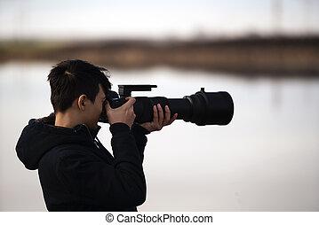 retrato, com, jovem, fauna, fotógrafo, em, natureza