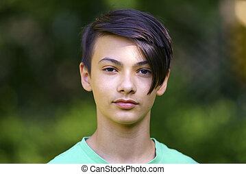 retrato, com, um, bonito, jovem, menino asian