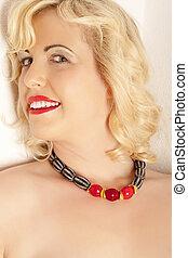 retrato, con, collar, diseñadores