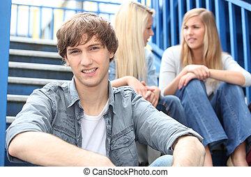 retrato, de, adolescentes, ligado, escadas