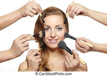 retrato, de, bonito, loura, menina, longo, ondulado, cabelo ondulado, com, escovas composição, perto, atraente, rosto, muitas mãos, aplique, compor, ligado, rosto mulher, isolado, branco