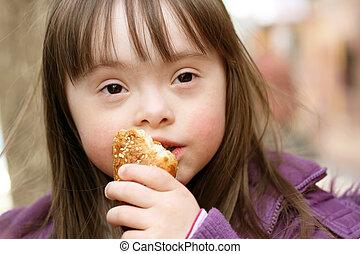 retrato, de, bonito, menina, que, comer, baguette