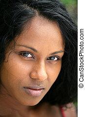 retrato, de, bonito, mulher afro-americano