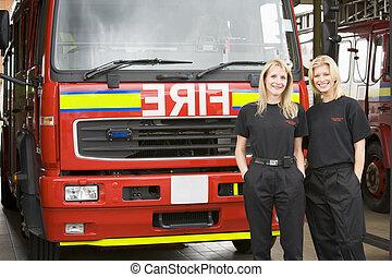 retrato, de, dois, femininas, bombeiros, ficar, por, um, despeça motor