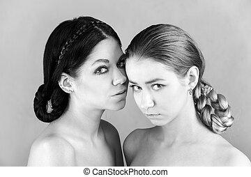 retrato, de, dos, mujeres jóvenes