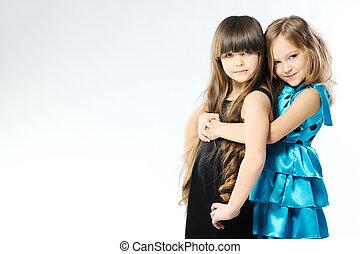 retrato, de, dos niñas, en, el, estudio