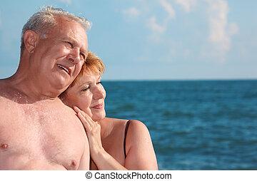 retrato, de, envelhecido, par, contra, mar