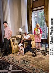 retrato, de, familia multigeneración, en casa