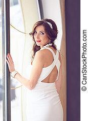 retrato, de, hermoso, bride., vestido de la boda, y, peinado