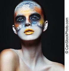 retrato, de, hermoso, encanto, niña, con, oscuridad, maquillaje ojo, en, el, forma, de, encaje, y, naranja, labios