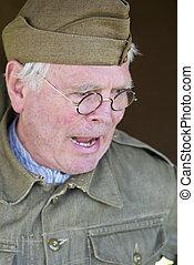 retrato, de, hombre, en, viejo, ejército inglés, uniforme