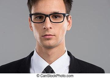 retrato, de, homem adulto meio, em, glasses., jovem, bonito, homem, com, grande sorriso, desgastar, moda, óculos