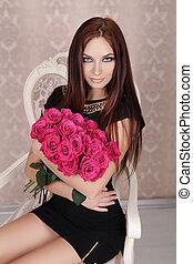 retrato, de, joven, hermoso, niña, con, rosas rosa, flowers., moda, foto