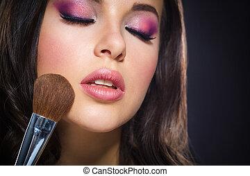 retrato de la muchacha, con, cerró ojos, ser aplicable, brillante, maquillaje