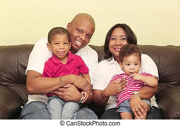 retrato, de, magnífico, africano, family., foco, en, el, madre, y, el