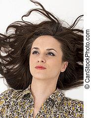 retrato, de, mulher bonita, com, magnífico, cabelo