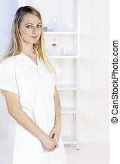 retrato, de, mulher jovem, em, laboratório