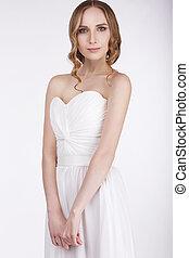 retrato, de, mulher jovem, em, vestido sleeveless