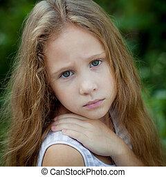 retrato, de, niño triste