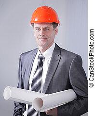 retrato, de, profissional, arquiteta, com, a, projeto, de, um, novo, edifício.