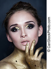 retrato, de, sexy, moda, woman., maquillaje, con, oro, estrellas