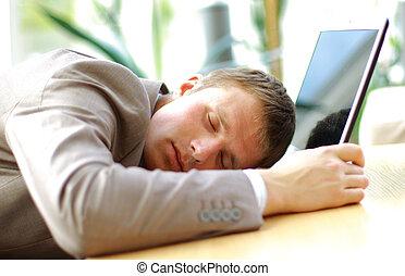 retrato, de, sueño, hombre de negocios, en, un, oficina