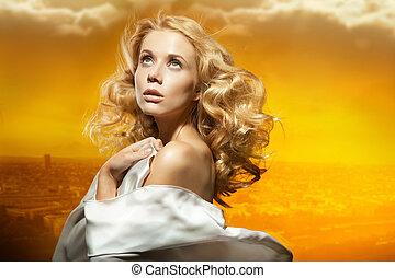 retrato, de, um, bonito, excitado, mulher jovem