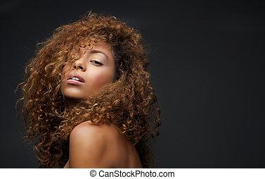 retrato, de, um, bonito, femininas, modelo moda, com, cabelo...