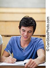 retrato, de, um, bonito, jovem, estudante, notas levando