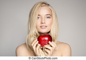 retrato, de, um, bonito, jovem, loura, mulher, com, vermelho, apple.