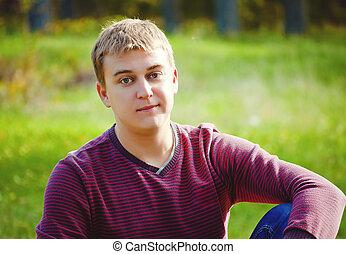retrato, de, um, homem jovem, em, natureza