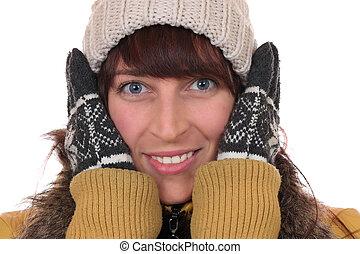 retrato, de, um, mulher jovem, congelação, em, a, gelado, em, inverno